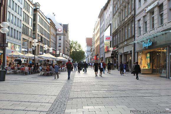 Ronda Palazzari Munich Downtown