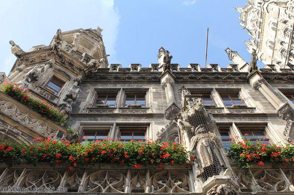 Ronda Palazzari Glockenspiel Building