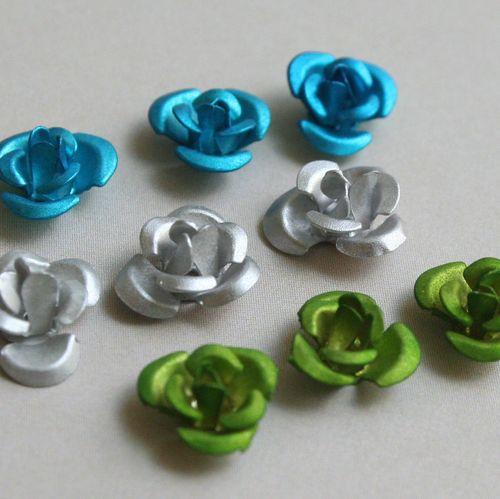 Maya Road Metal Roses