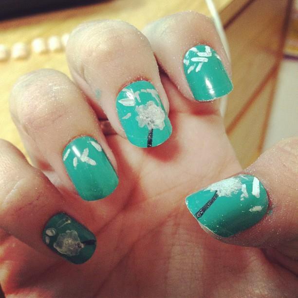 Ronda Palazzari Alexi Nails Dandelion